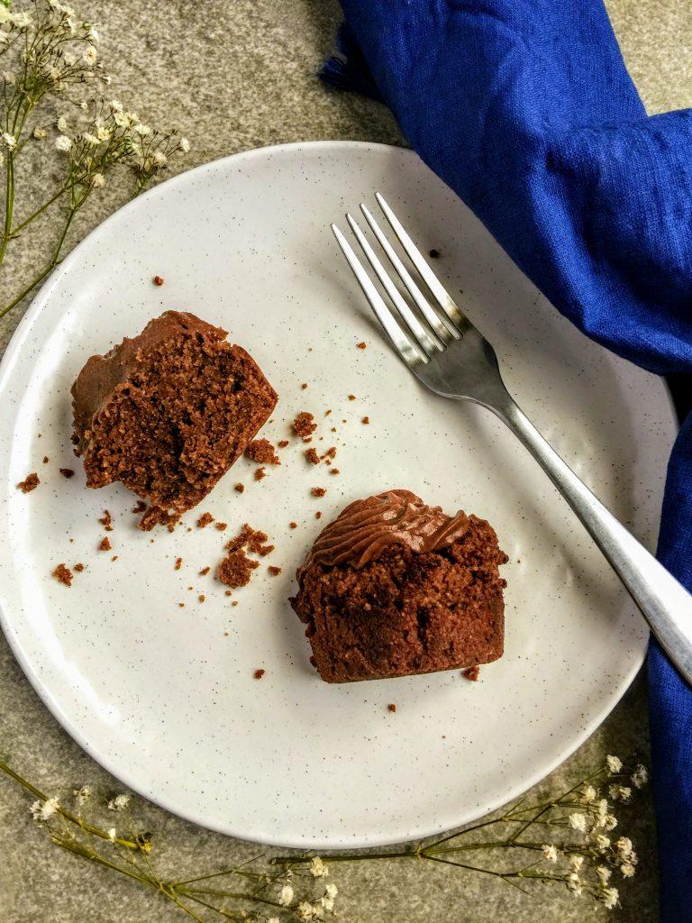 Cupcakes 'almendrosos' de chocolate (con harina de almendra y cacao) súper ricos y saludables
