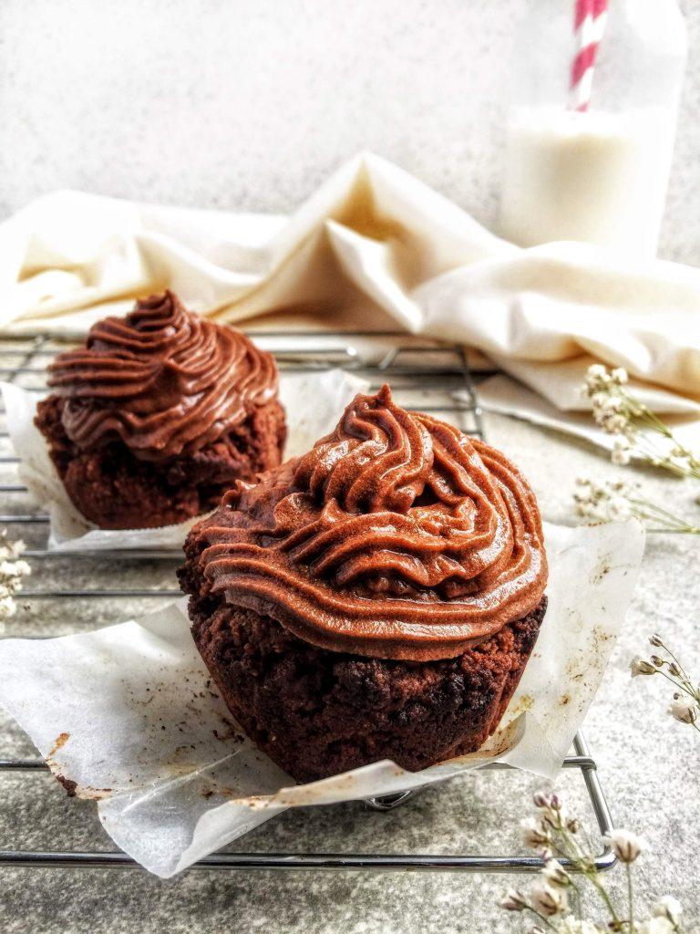 Cupcakes 'almendrosos' de chocolate (con harina de almendra y cacao)