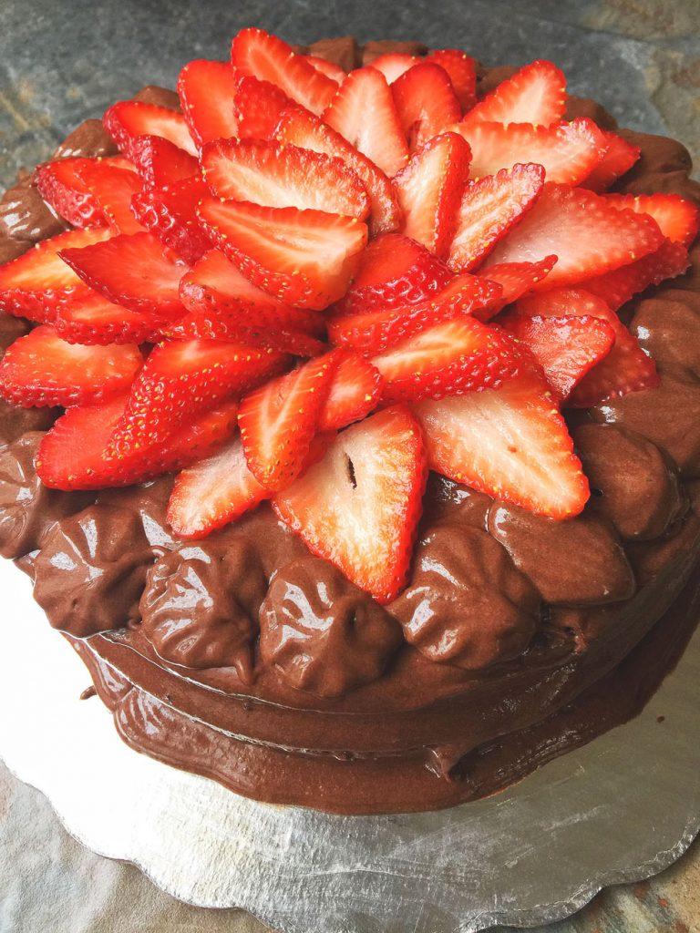 El más increíble pastel de chocolate sin gluten ni azúcar refinada.